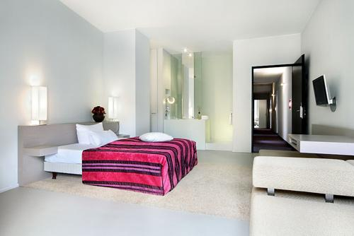 lux 11 berlin h tel design en technicolor paperblog. Black Bedroom Furniture Sets. Home Design Ideas