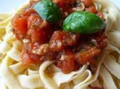 Tagliatelles maison tombée tomates fraîches