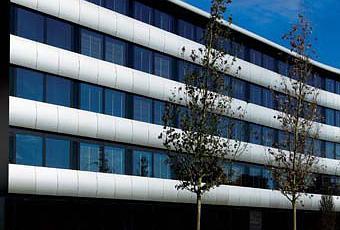 Aviator hotel h tel design dans la banlieue de londres for Londres hotel design