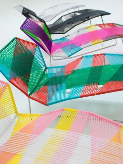 Chaise longue tropicalia par Patricia Urquiola