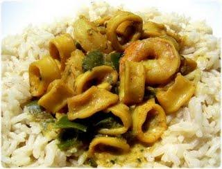 Curry de calamars et crevettes
