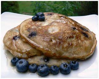 Pancakes aux bleuets et à la cannelle