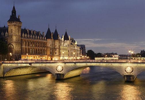 http://www.paris-orly-hotel.com/images/Conciergerie_paris.JPG