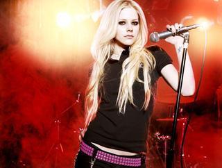 Avril Lavigne, retour dans les bacs en novembre