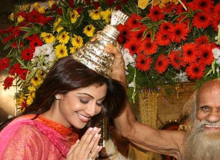 shilpa shetty visite temple nag panchmi