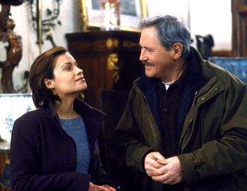 Victor Lanoux (Louis)et Sarah Bertrand (Sibylle) dans un épisode de Louis La Brocante
