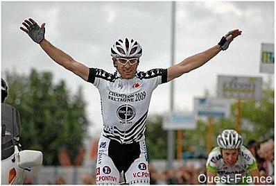 Sur la Ronde Finistérienne, Salva Vilchez c'est Contador !