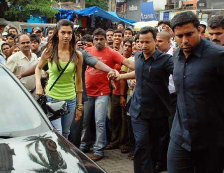 Bollywoodme Deepika Padukone LOVE AAJ KAL