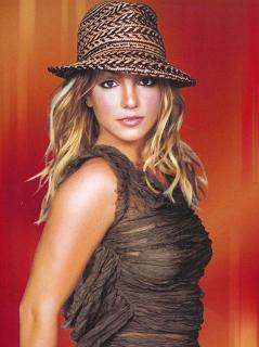 Britney Spears : un concours et un best of !