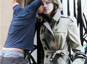 Emma Watson s'affiche façades Burberry