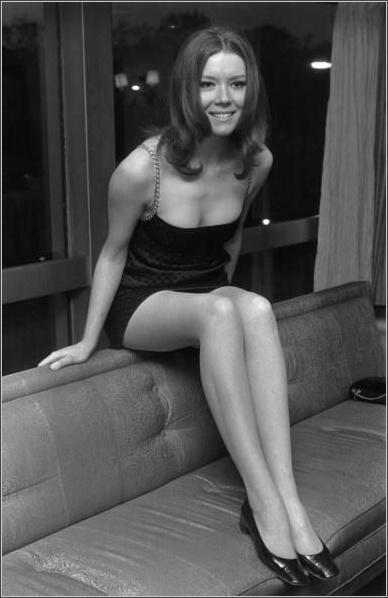 diana-rigg-1967-avengers-1.jpg