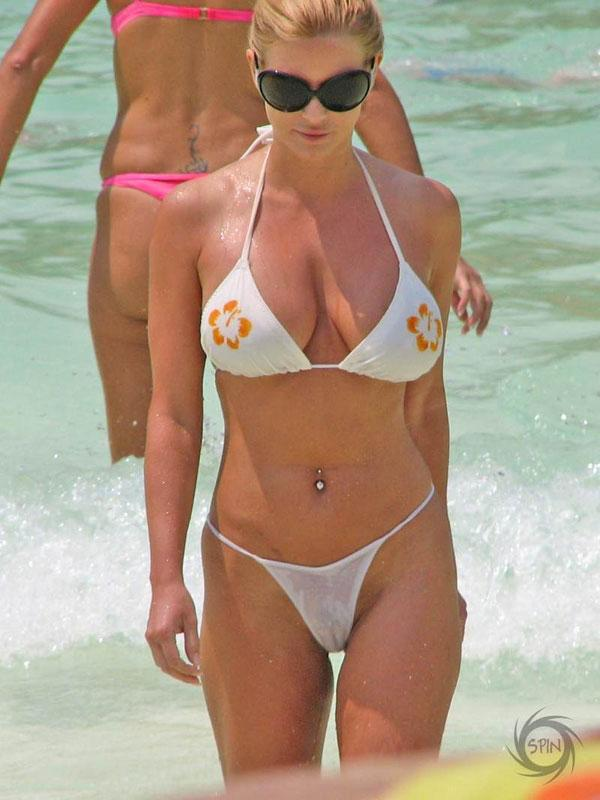 Jessica Simpson En Bikini Sey