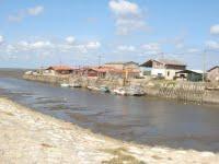 La jetée du port de Larros
