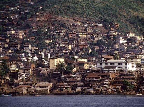 http://media.paperblog.fr/i/220/2208197/freetown-sierra-leone-L-1.jpeg
