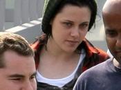 Kristen Stewart sortant d'un essayage perruque [encore]