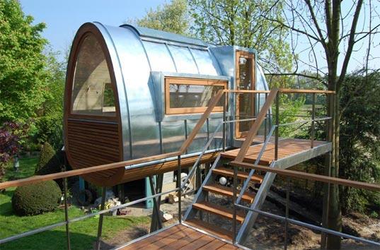 Une maison dans les arbres d couvrir for Small house design germany