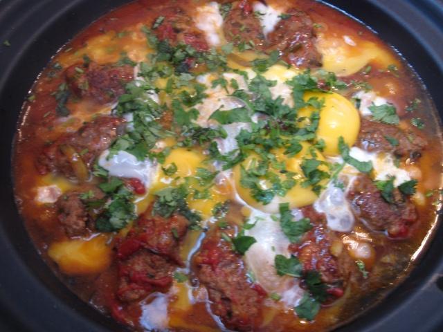 kefta aux oeufs et a la tomate