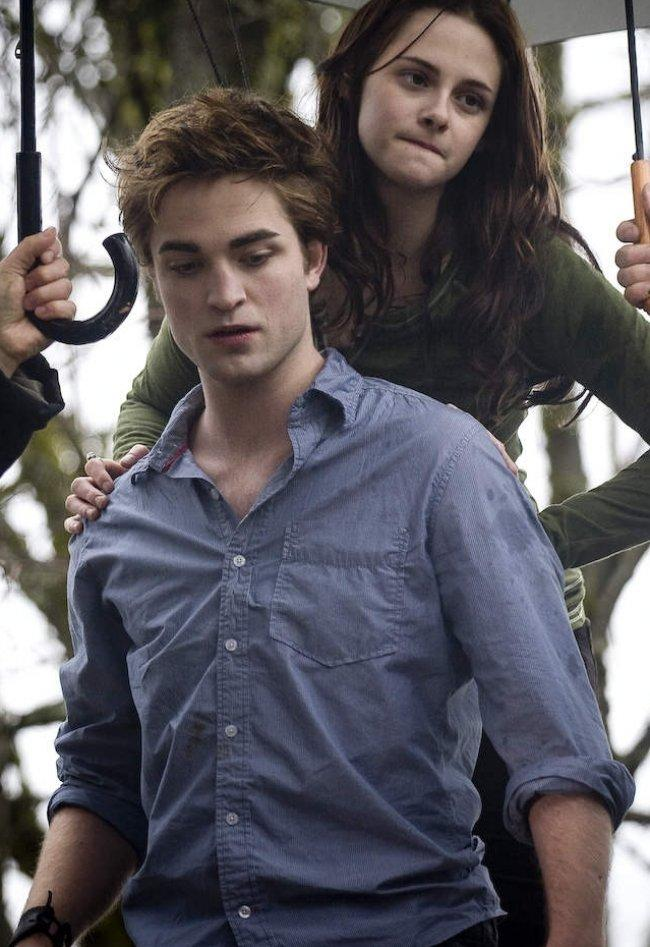 Twilight Fascination : souvenir de tournage (photos) - La scène où Robert porte Kristen