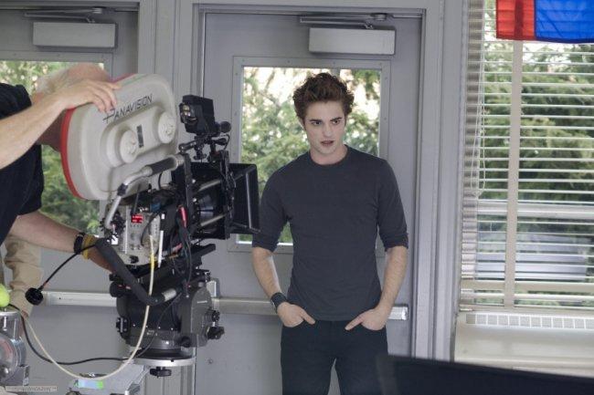 Twilight Fascination : souvenir de tournage (photos) - Edward arrive au lycée, la révélation pour Bella