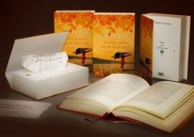Un éditeur offre une boîte de mouchoirs avec un roman sentimental