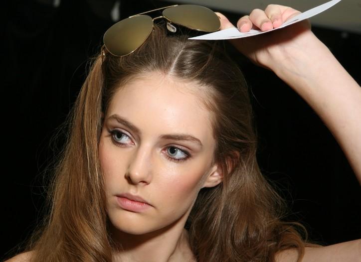 LEs maquillages et coiffures du défilé D&G; printemps-été 2010