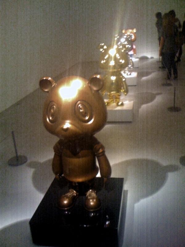 Galerie-Perrotin-Murakami-13.jpg