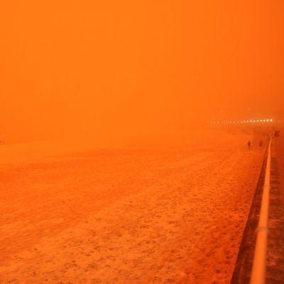 Red-Dust-03.jpg