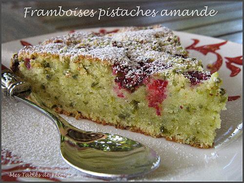 Gâteau moelleux framboises, pistaches chocolat blanc et amande