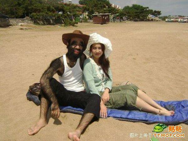 L'homme le plus poilu du monde et sa copine