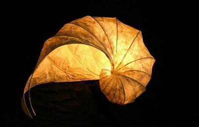 La lampe papier à poser version nature!
