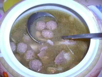 Mtouem (boulettes de viande à l'ail)