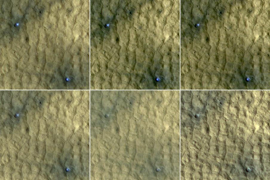 Deux cratères récents dans lesquels on voit la glace d'eau se retirée peu à peu