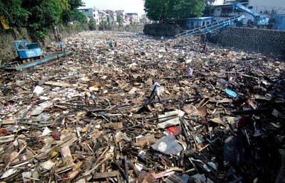 Le Typhon Ketsana fait plus de 200 morts ...