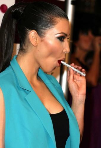full_kim_kardashian_17_wenn.jpg