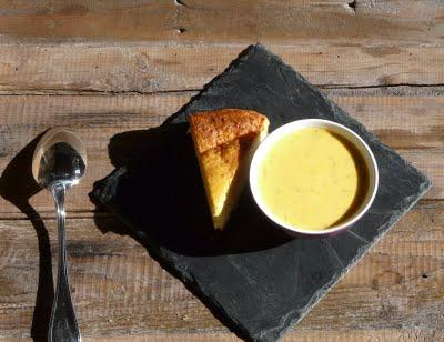 Soupe d'automne au butternut et pain de maïs