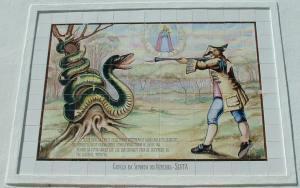 Miniatura do painel de azulejos com a legenda da serpente