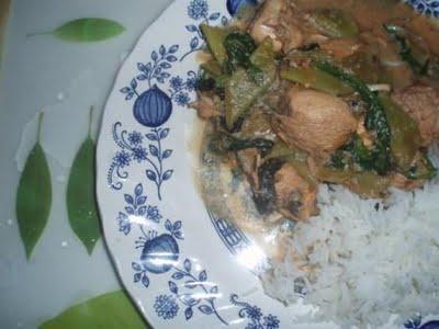 Haricots et poulet à l'Indonésienne (curry et coco)