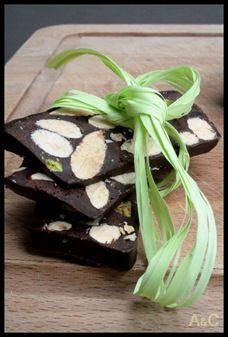 Nougat au chocolat, amandes et pistaches