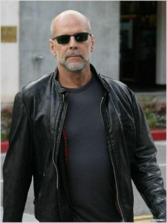 "a paper on bruce willis Bruce willis no love regrets or career choices by  one gal from a major paper outlet nearly went crazy, claiming that i didn't deserve it  in this business,"" willis noted the ."