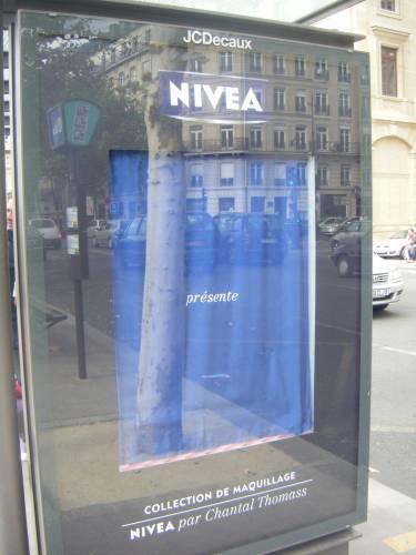 2009-10-04 Nivea par Chantal Thomass 1.jpg