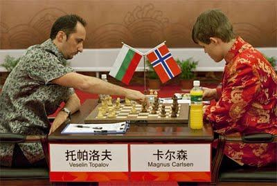 Veslin Topalov face à Magnus Carlsen