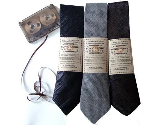 cravate K7 La cravate ecolo à base de K7 audio