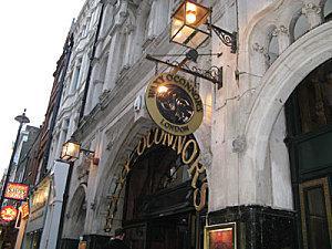 Londres, ses pubs, ses restaurants...