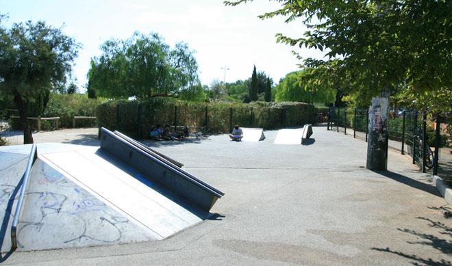 Spot le skatepark de sanary sur mer 83 d couvrir - Office du tourisme sanary sur mer ...