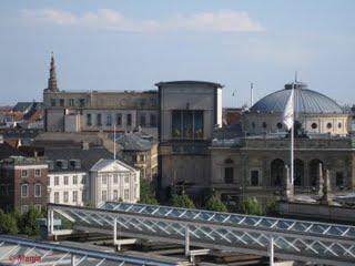 Sur le toit de Studieskolen