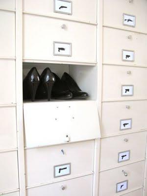 armoire metallique clapets industrielle loft lire. Black Bedroom Furniture Sets. Home Design Ideas