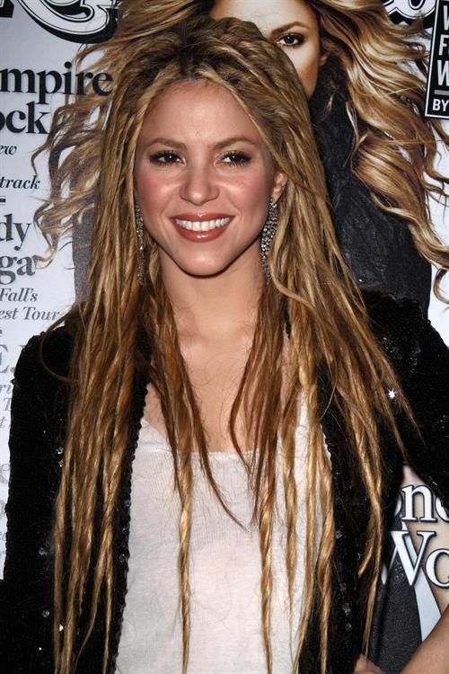 Shakira on a connu sa longue chevelure de tigresse avec de belles