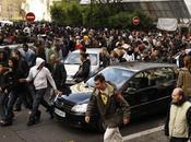 Mailorama distribuant flouze Champs-Elysée l'histoire (belge) vire l'émeute