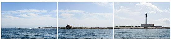 Le phare de l'île de Sein vu de la mer