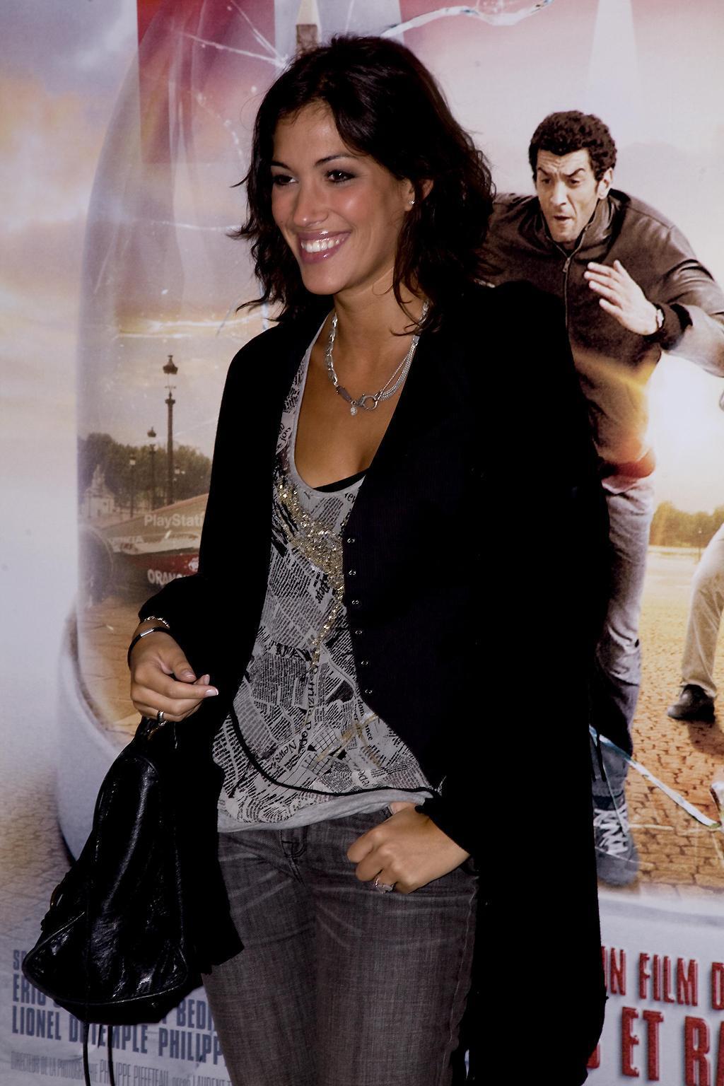 Laurie Cholewa présentatrice de l'émission
